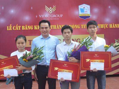 Tập đoàn VIDEC cắt băng khánh thành phòng Tin học thực hành và trao học bổng 3 học sinh Trường PTTH Thường Tín – Hà Nội