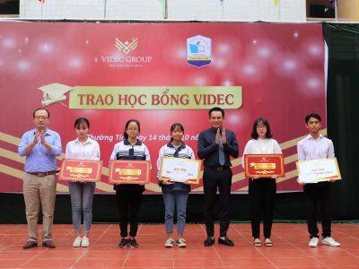 VIDEC Group trao học bổng cho học sinh trường THPT Thường Tín